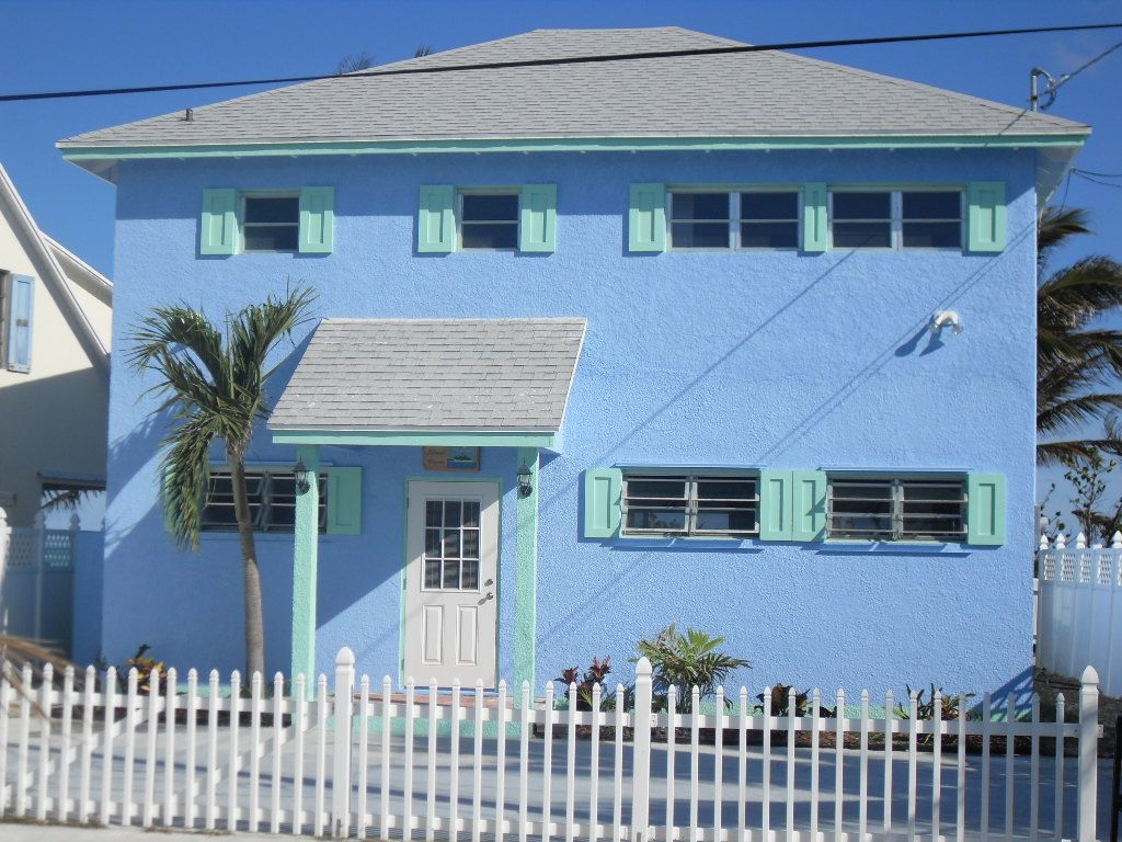 Safe and Clean Vacation Homes Spanish Wells, Eleuthera Beach House Accommodation